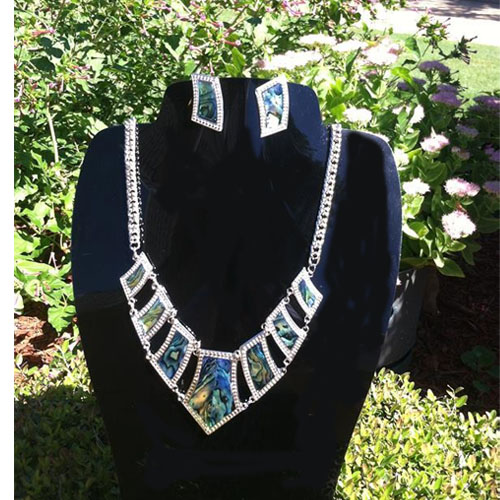 6-114 Designer's Necklace and Earring Set