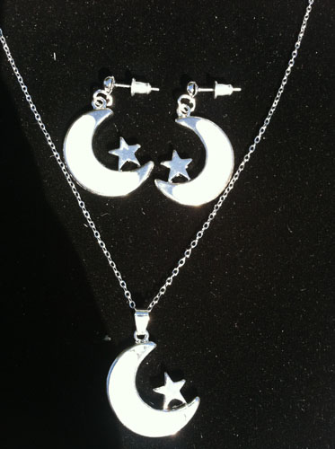 SE-3713 Mother-of-Pearl Crescent Moon and Star set